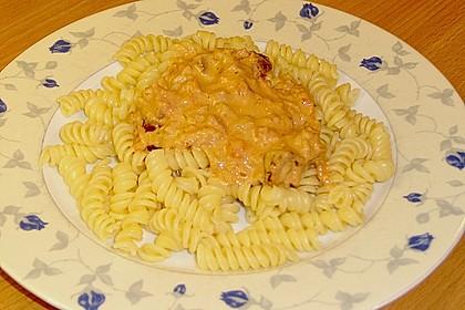 Tortellini in Tomaten - Käse - Sauce 22