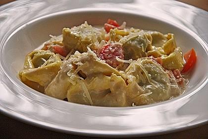 Tortellini in Tomaten - Käse - Sauce 8