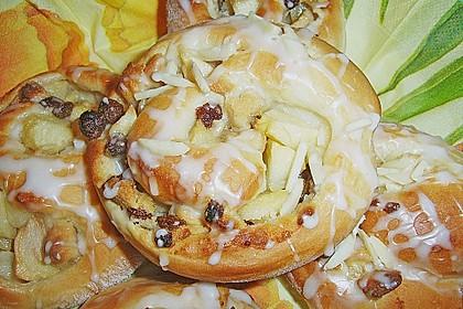 Apfel - Rosinenschnecken 6