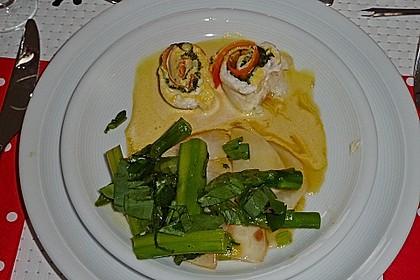 Fischfilet - Röllchen in Estragon - Schaum 11