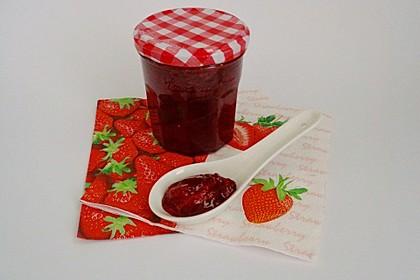 Erdbeermarmelade mit Sekt