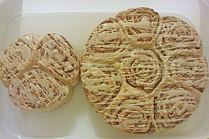 Zimtrollen-Kuchen 159