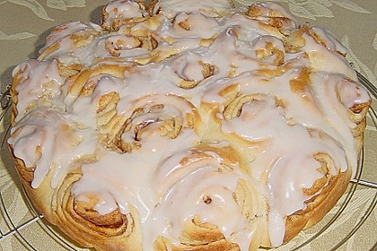 Zimtrollen-Kuchen 176