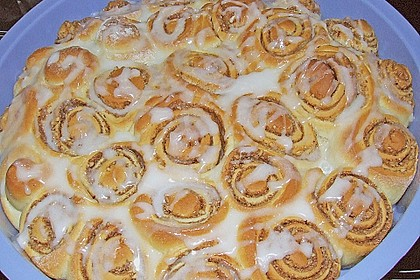 Zimtrollen-Kuchen 192