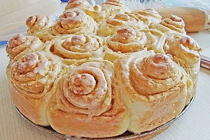 Zimtrollen-Kuchen 235