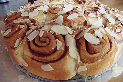 Zimtrollen-Kuchen 44