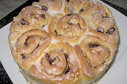 Zimtrollen-Kuchen 183