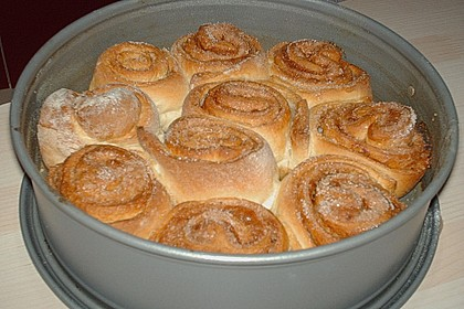 Zimtrollen-Kuchen 186