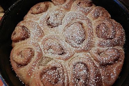 Zimtrollen-Kuchen 215