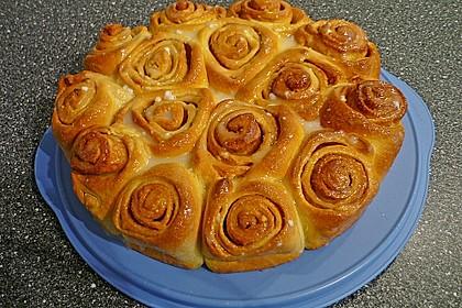Zimtrollen-Kuchen 96
