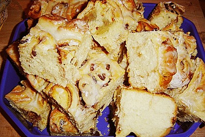 Zimtrollen-Kuchen 361