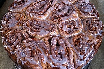 Zimtrollen-Kuchen 60