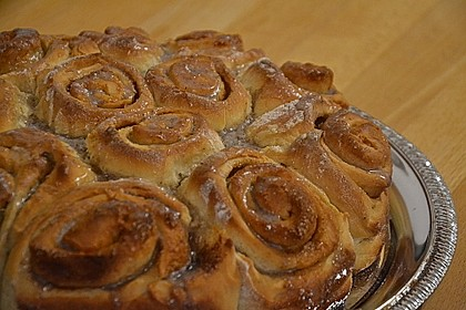 Zimtrollen-Kuchen 90