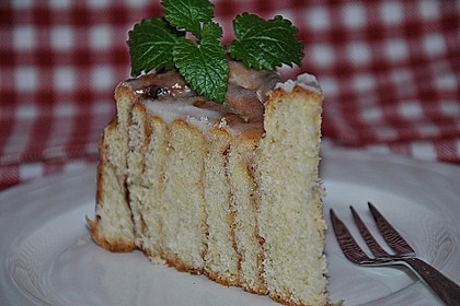 Zimtrollen-Kuchen 40