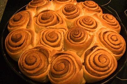 Zimtrollen-Kuchen 5