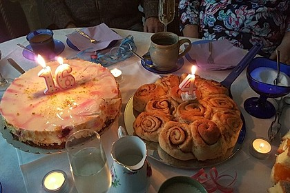 Zimtrollen-Kuchen 82