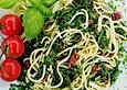 Spaghetti mit Spinat und Hobelfleisch