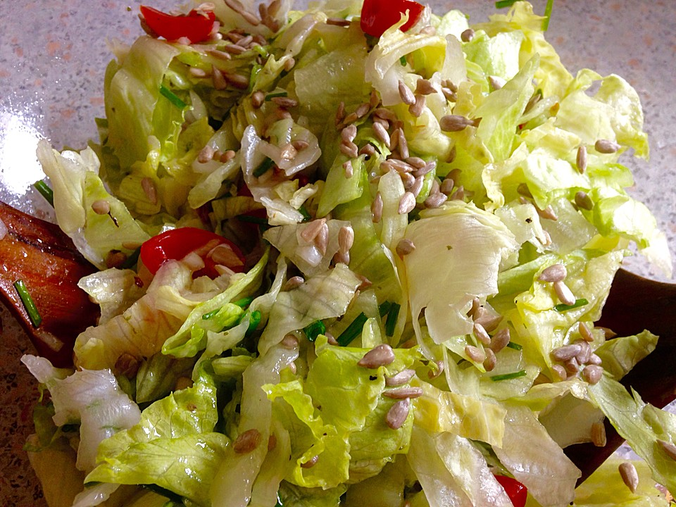 salat mit kernen rezept mit bild von it dev. Black Bedroom Furniture Sets. Home Design Ideas