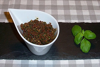 Tomaten - Basilikum - Pesto