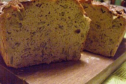 Steirisches Kürbiskern-Brot mit Kürbiskernöl 86