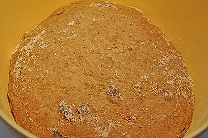 Steirisches Kürbiskern-Brot mit Kürbiskernöl 76