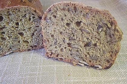 Steirisches Kürbiskern-Brot mit Kürbiskernöl 66