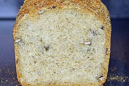 Steirisches Kürbiskern-Brot mit Kürbiskernöl 65