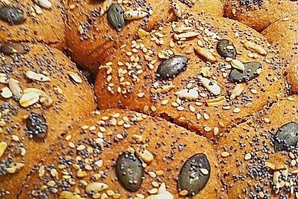 Steirisches Kürbiskern-Brot mit Kürbiskernöl 34