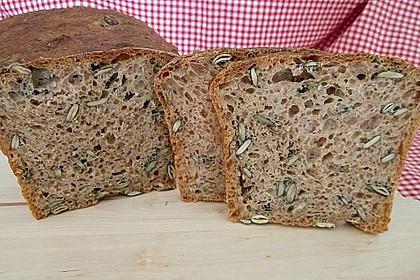 Steirisches Kürbiskern-Brot mit Kürbiskernöl 50