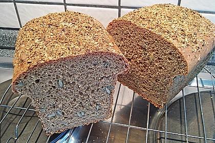 Steirisches Kürbiskern-Brot mit Kürbiskernöl 29