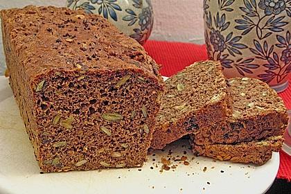 Steirisches Kürbiskern-Brot mit Kürbiskernöl 16