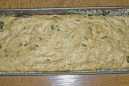 Steirisches Kürbiskern-Brot mit Kürbiskernöl 83