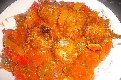 Hackbällchen in Paprika - Tomaten - Sauce 1