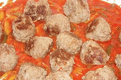 Hackbällchen in Paprika - Tomaten - Sauce 7