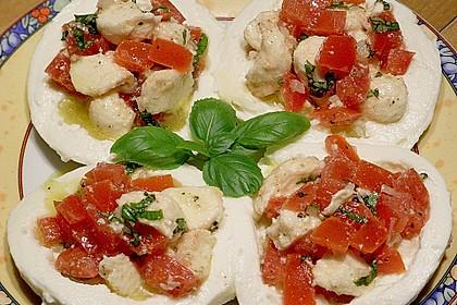 Pikant gefüllter Mozzarella
