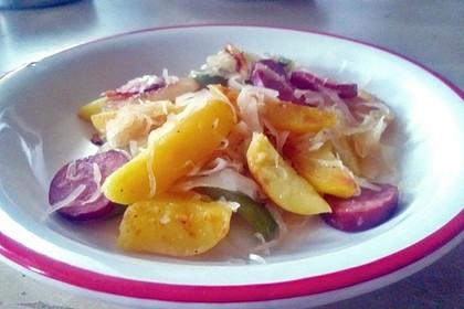 Sauerkraut - Paprika - Pfanne mit Cabanossi 2