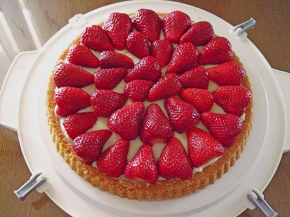 Kuchen mit pudding fruchten