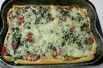 Blätterteig mit Tomaten und Käse 1