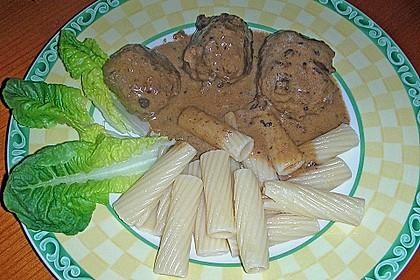 Fleischklößchen mit pikanter Soße