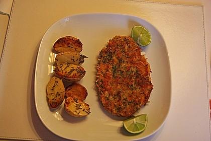 Schnitzel mit einer Parmesan - Thymian - Panade mit Rosmarinkartoffeln 1