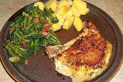 Schnitzel mit einer Parmesan - Thymian - Panade mit Rosmarinkartoffeln 7