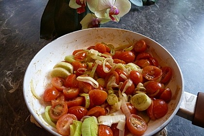 Lauchgemüse mit geschmolzenen Tomaten 6