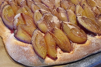 Hefe - Zwetschgenkuchen 2