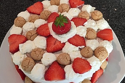 Gewickelte Erdbeer - Tiramisu - Torte 6