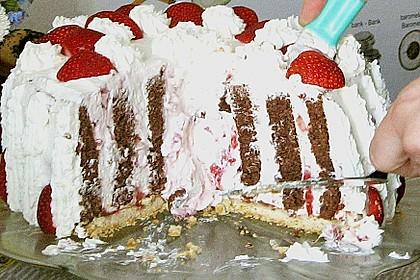 Gewickelte Erdbeer - Tiramisu - Torte 30