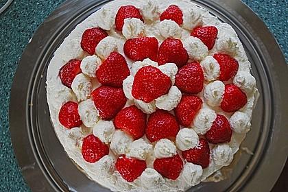 Gewickelte Erdbeer - Tiramisu - Torte 12