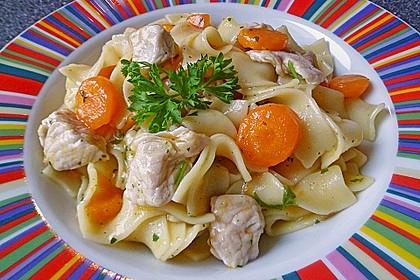 Puten - Karotten - Pfanne mit Nudeln 1