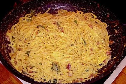 Italienische Carbonara-Sauce 21