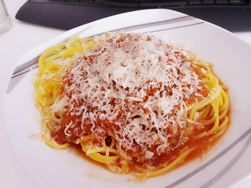 spaghetti mit fruchtiger tomatensauce rezepte suchen. Black Bedroom Furniture Sets. Home Design Ideas