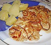 Schnitzel in Zwiebel - Sahnesauce (Bild)